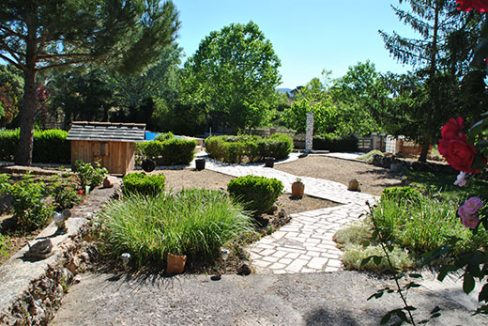Magnífica casa de campo a la venta. - jardin 10