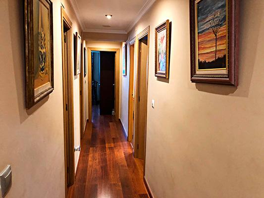 Gran piso espacioso a la venta en Santa Rosa. - Pasillo 1