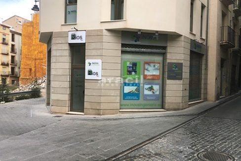Se vende oficina en la zona centro de Alcoy. - Entrada