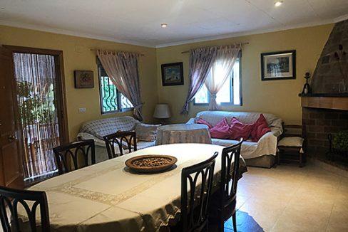 Se vende casa de campo con gran extensión de terreno  - Comedor-salon 2