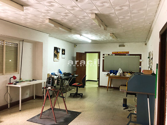 Amplio local comercial a al venta en Santa Rosa - Alcoy. - Habitacion