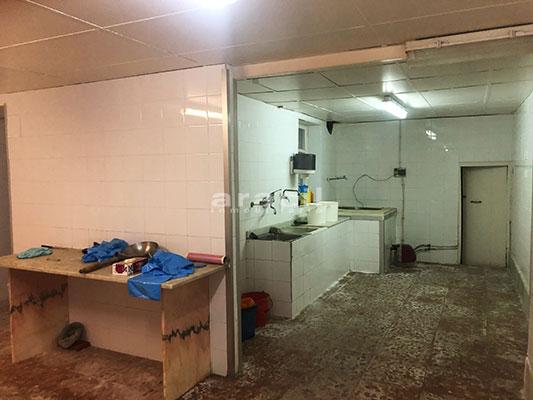 Se vende local semi-sótano en Alcoy. - Lavador