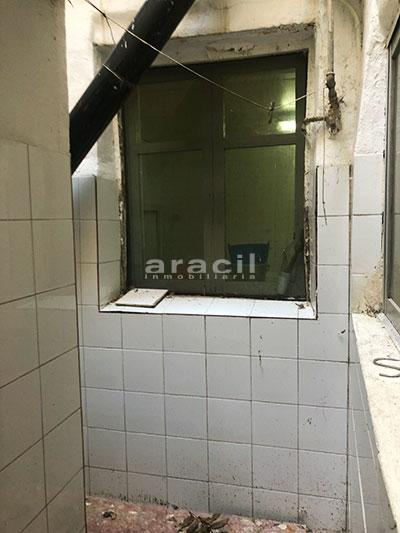 Se vende local semi-sótano en Alcoy. - Baño 2