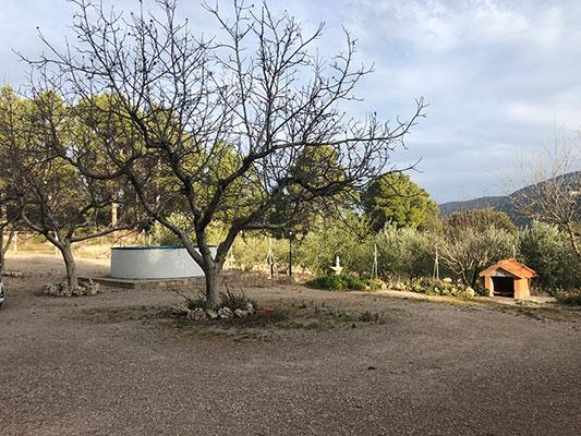 Casa de campo grande con 17.000m2 de terreno. - Entrada exterior 2