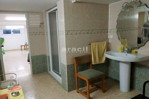 Chalet espacioso a la venta en Alcoy. - Baño Local