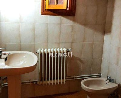 Bonito chalet a la venta en Alcoy. - Baño