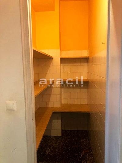 Amplio piso a la venta en Ensanche - Alcoy. - Despensa