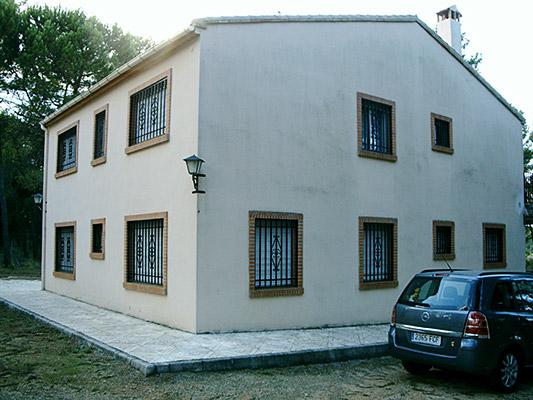 Se vende construcción de campo dividida en 2 viviendas.  - Exterior 2