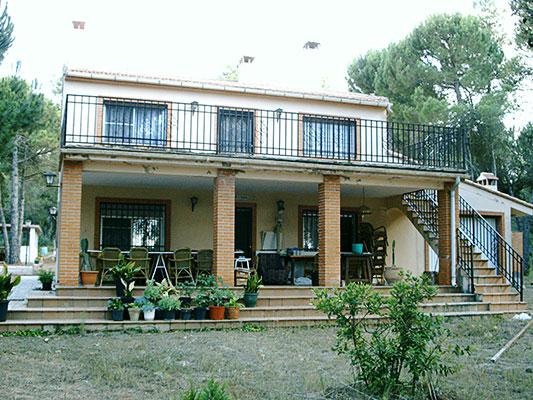 Se vende construcción de campo dividida en 2 viviendas.  - Exterior 1