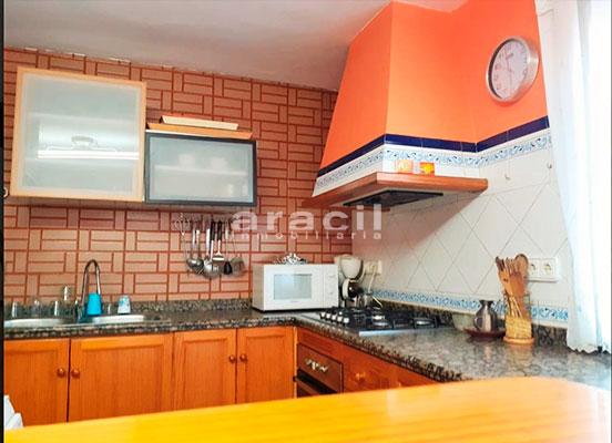 Bonito chalet de 8 habitaciones a la venta en Muro de Alcoy. - Cocina 5
