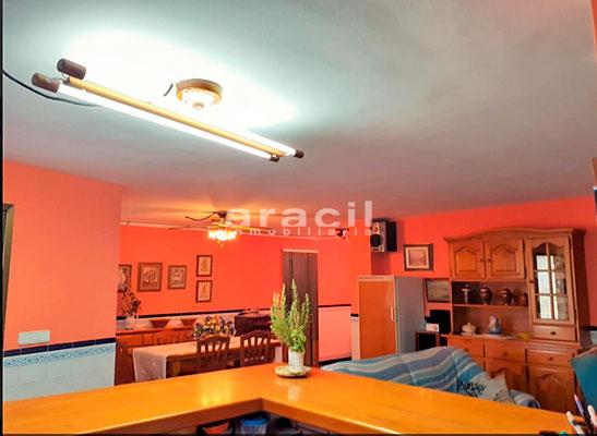 Bonito chalet de 8 habitaciones a la venta en Muro de Alcoy. - Comedor 3