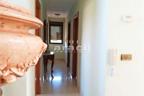 Bonito chalet de 8 habitaciones a la venta en Muro de Alcoy. - Pasillo