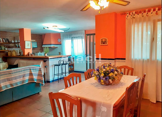 Bonito chalet de 8 habitaciones a la venta en Muro de Alcoy. - Salon Comedor 2