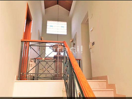Bonito chalet de 8 habitaciones a la venta en Muro de Alcoy. - Escaleras