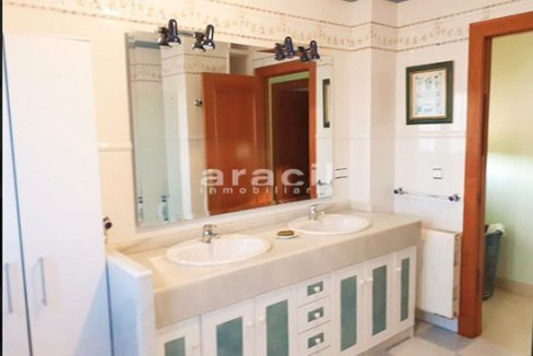 Bonito chalet de 8 habitaciones a la venta en Muro de Alcoy. - Baño 2