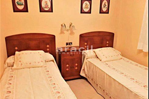 Bonito chalet de 8 habitaciones a la venta en Muro de Alcoy. - Habitacion