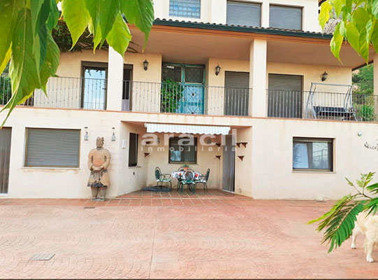 Bonito chalet de 8 habitaciones a la venta en Muro de Alcoy. - Exterior 4