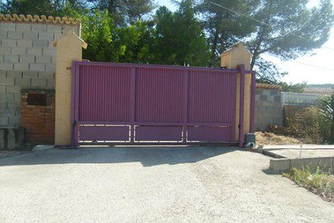 Bonito chalet con sauna a la venta en Baradello. - Puerta 1