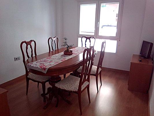 Bonito piso a buen precio en la Zona Alta, Alcoy. - Comedor
