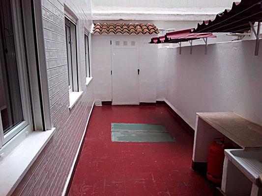 Bonito piso a buen precio en la Zona Alta, Alcoy. - Patio 2