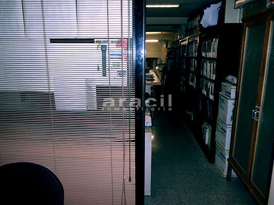 Local/ferretería de grandes dimensiones a la venta o alquiler con traspaso en el Centro de Alcoy. - Oficina 4