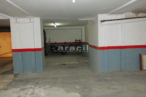 Local reformado a la venta en San Nicolás. - Garaje