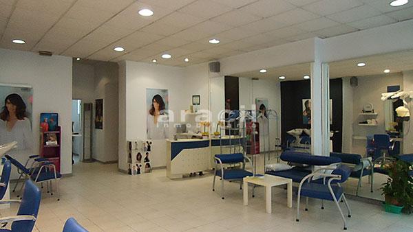 Se vende local comercial de 110m2 en Ensanche. - Sala principal