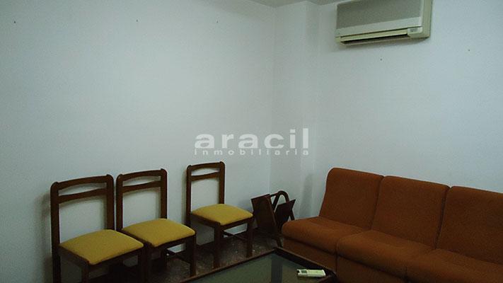Se vende local oficina con aire acondicionado en Alcoy. - Sala