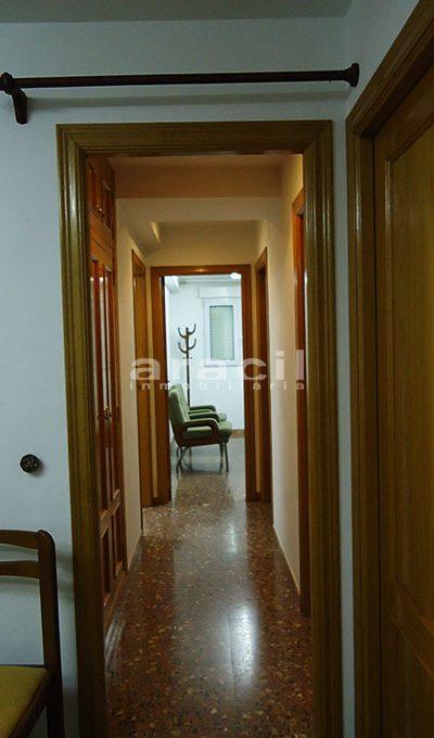 Se vende local oficina con aire acondicionado en Alcoy. - Pasillo
