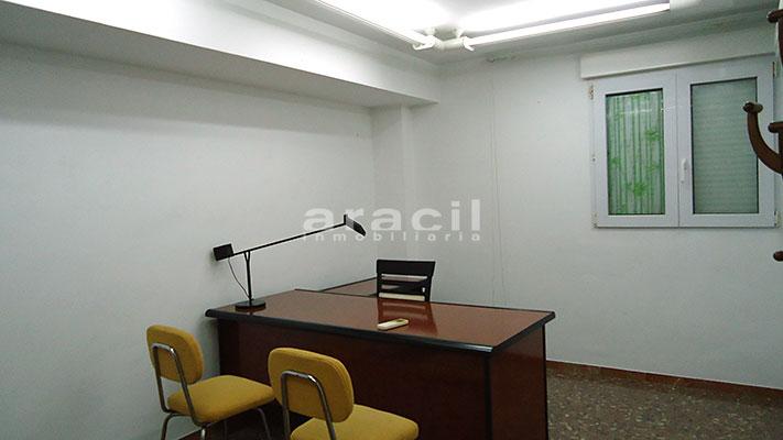 Se vende local oficina con aire acondicionado en Alcoy. - Despacho