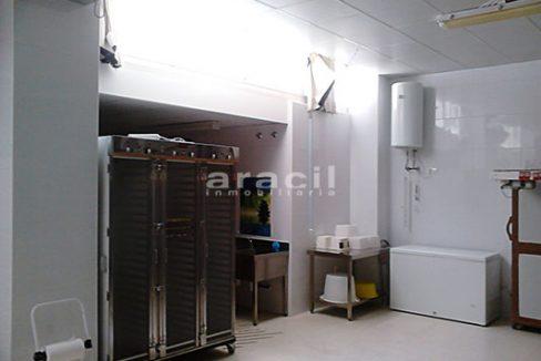 Local comercial/horno de grandes dimensiones a la venta en Alcoy. - Sala 8