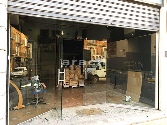 Local comercial/peluqueria a la venta en Santa Rosa. - Entrada
