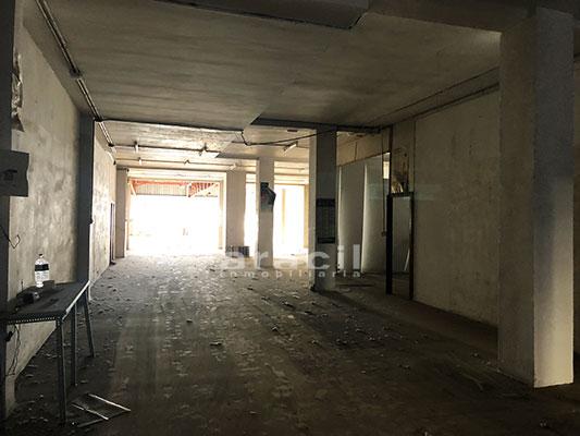 Extenso local de 540 m2 a la venta en Alcoy. - Sala