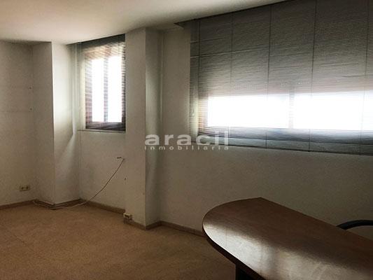 A la venta dos amplias oficinas divisibles en Ensanche. - Oficna 3