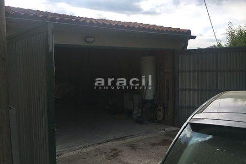 A la venta 2 locales en Ensanche. - Garaje