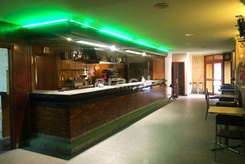Local adaptado para hostelería a la venta en el centro. - Barra 5