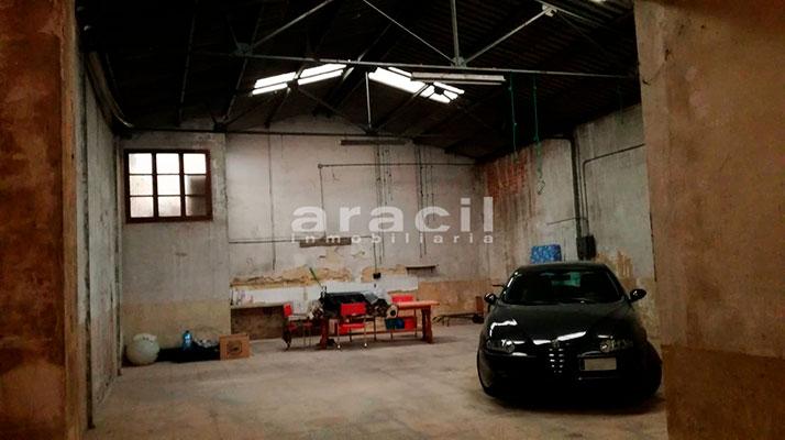 Extenso local comercial/garaje a la venta en la zona Ensanche. - Sala 2
