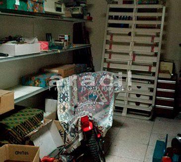 Extenso local comercial/garaje a la venta en la zona Ensanche. - Almacen