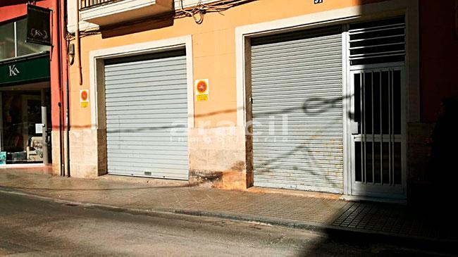 Extenso local comercial/garaje a la venta en la zona Ensanche. - Exterior