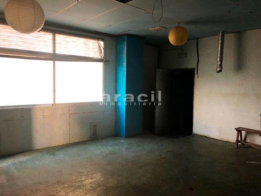 Local de 200m2 a la venta en Zona Alta. - 2 piso