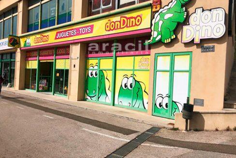 Local comercial de grandes dimensiones a la venta en la salida de Alcoy. - Exterior