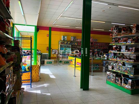 Local comercial de grandes dimensiones a la venta en la salida de Alcoy. - Entrada 2