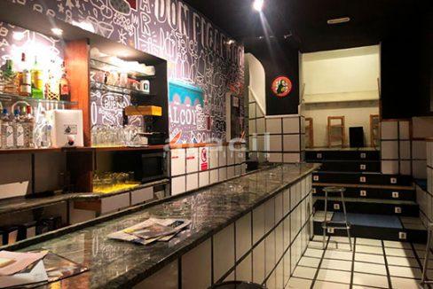 Gran local adaptado para bar/cafetería a la venta en el Centro de Alcoy. - Barra 8