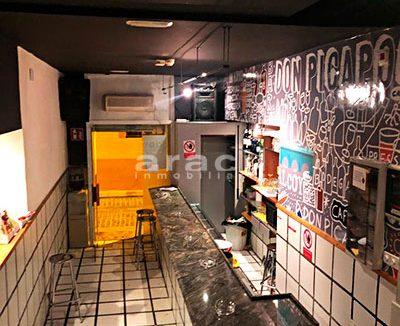 Gran local adaptado para bar/cafetería a la venta en el Centro de Alcoy. - Barra 5