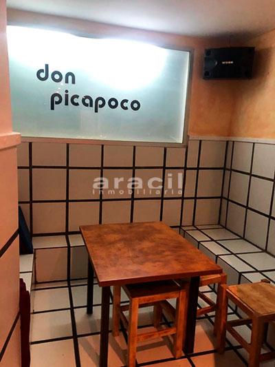 Gran local adaptado para bar/cafetería a la venta en el Centro de Alcoy. - Sala