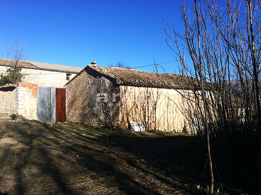 Se vende masía agrícola para rehabilitar próxima a Alcoy. - exterior2
