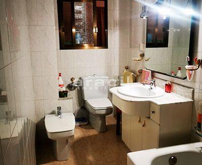 Bonito piso a buen precio en Santa Rosa. - Baño 1