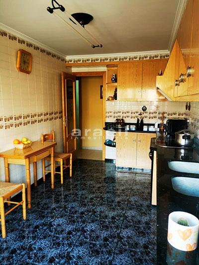 Bonito piso a buen precio en Santa Rosa. - cocina4
