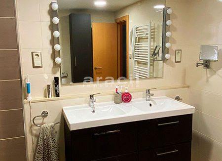 Bonito piso moderno reformado a la venta en Santa Rosa. - baño1
