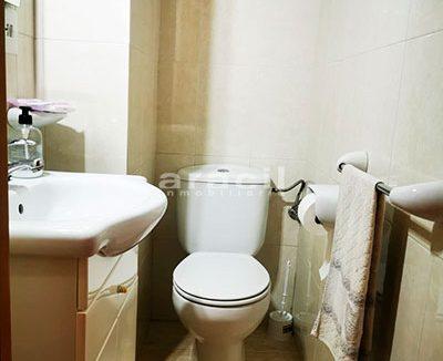 Bonito piso a buen precio en Santa Rosa. - baño3